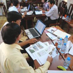 Teacher working group meeting in Bac Lieu, Vietnam, 2013